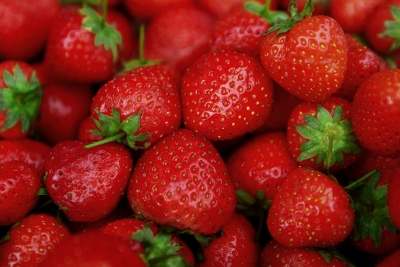 strawberries, eat seasonal, season food, mindful eating